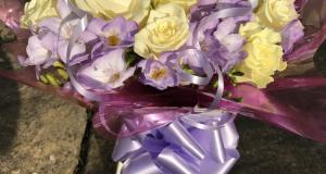 Honeybee-floral-art-bouquets-occasional-flowers-north-devon-04.jpg
