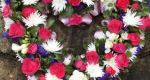 honeybee-floral-art-funeral-flowers-north-devon-08.jpg